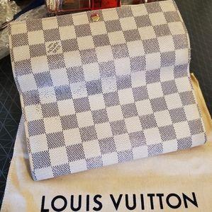 💘SALE💘 Authentic Louis Vuitton long wallet